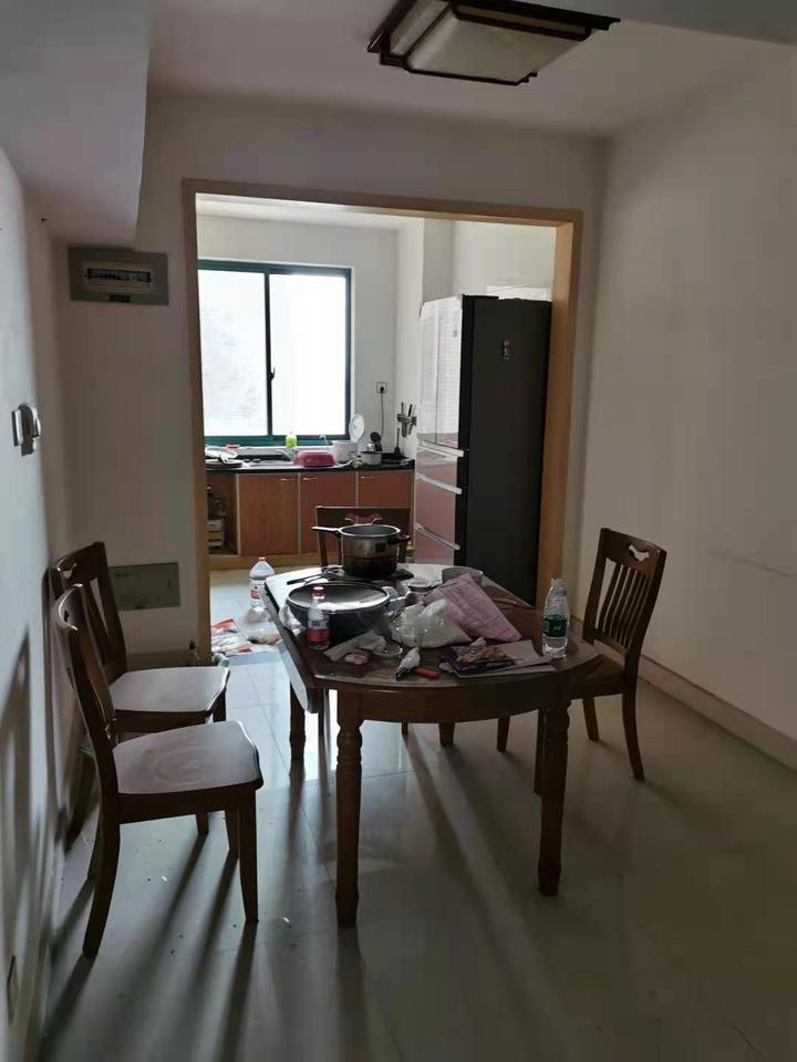 位于长沙市芙蓉区王家湖路56号东来苑2栋2907、2908室